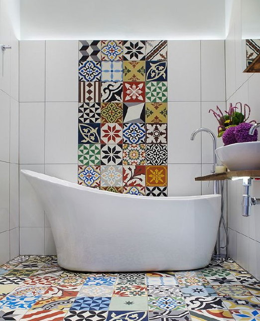 Mediterranean small bathroom design